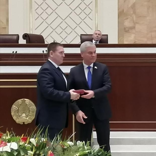 Торжественное вручения удостоверения депутата Палаты представителей Национального собрания Республики Беларусь